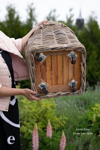 Kosz rattanowy okrągły na kółkach - średni | koszyki-kosze-wianki |