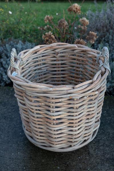 Kosz rattanowy okrągły - gruby rattan - na kółkach - duży | koszyki-kosze-wianki |