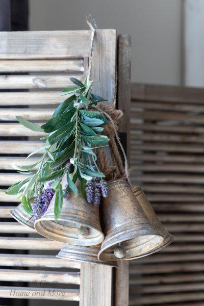 Dzwonek blaszany - złoty H-10cm | dodatki |