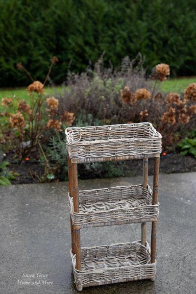 Stojak rattanowy na zioła - ( 3 poziomy ) | koszyki-kosze-wianki |
