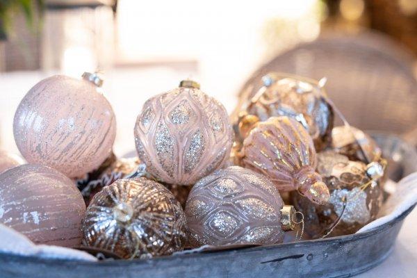 Bombka w kolorze pudrowego różu-Blanc Mariclo | dodatki |
